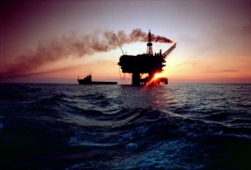 Image of the Brent field at sunset courtesy of Shell UK